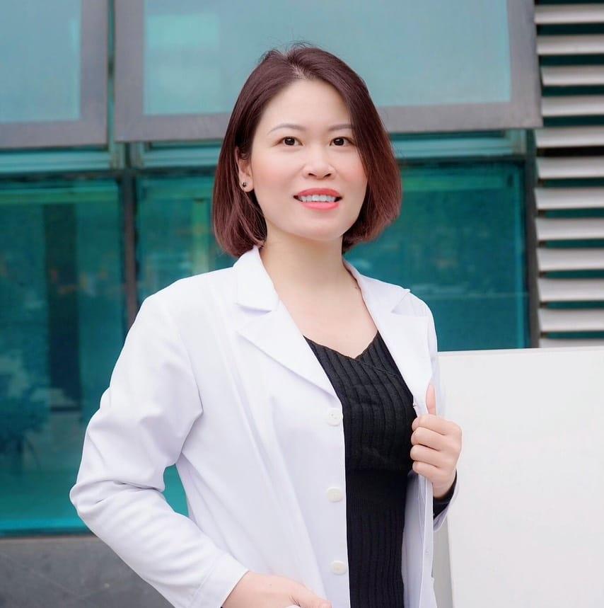 Dr Mai Trinh - người phụ trách chuyên môn tại Tạp chí Da Liễu