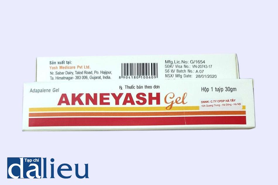 Mặt trước và mặt sau của hộp thuốc Akneyash