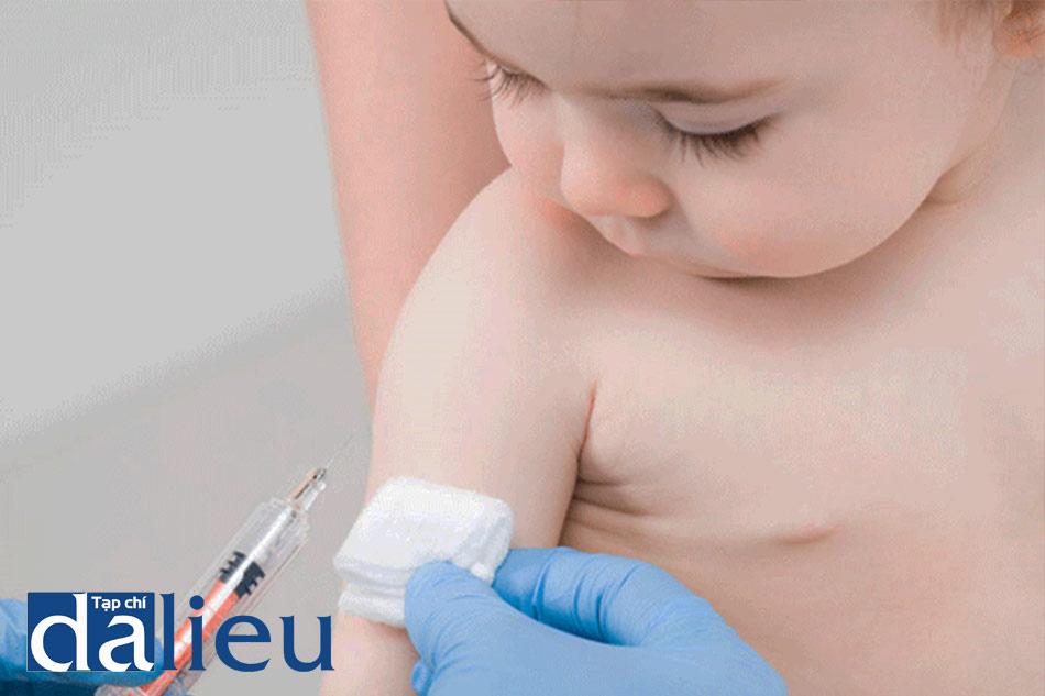 Tiêm vaccin phòng Rubella cho trẻ nhỏ